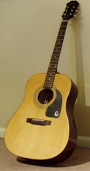 Продаю акустическую гитару Epiphone DR 100 NA