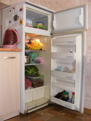 Продам двухкамерный хор. холодильник MINSK 700 грн. Торг.