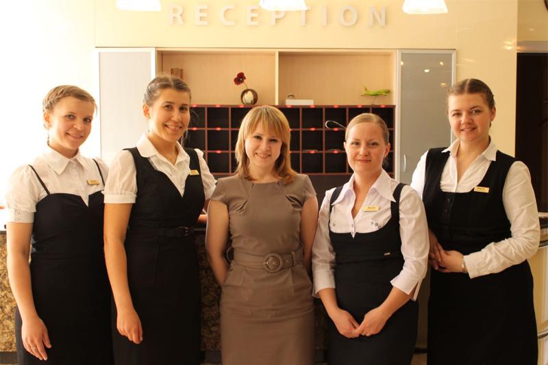 сколько вакансия швейцар ресторан москве центре бесплатно