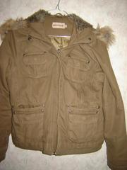 Продаётся куртка с капюшоном